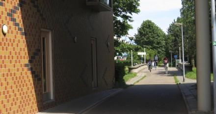 Onderdoorgang fietspad naar park
