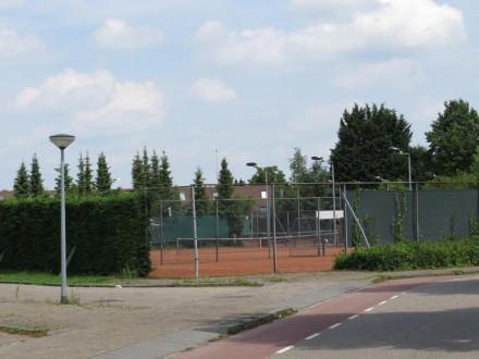 Tenniscomplexje Bosgouw